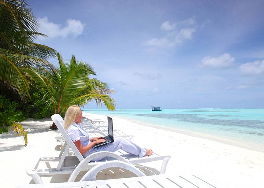 The IT Industry and emergence of digital nomadism – the benefits to the company and the clients
